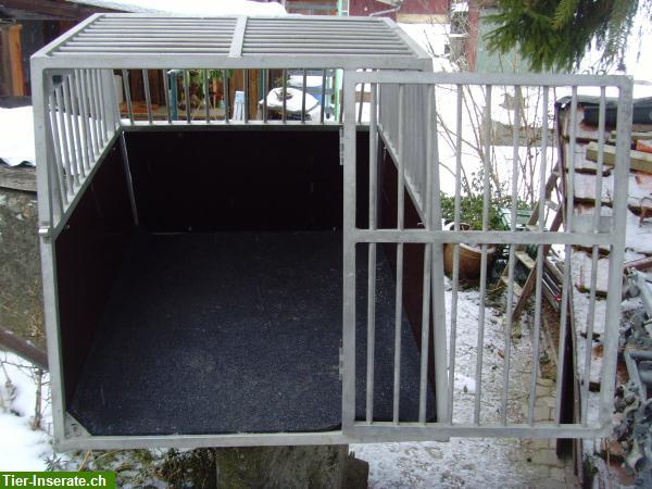 verkaufe grosse alu hundebox mit gummimatte tierinserat. Black Bedroom Furniture Sets. Home Design Ideas