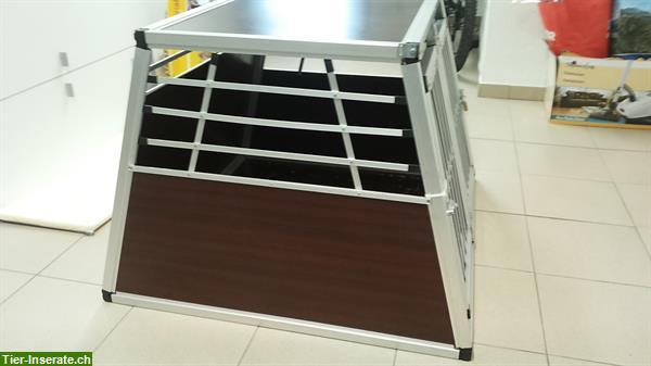 grosse hundebox f r kombis zu verkaufen tierinserat 287268. Black Bedroom Furniture Sets. Home Design Ideas
